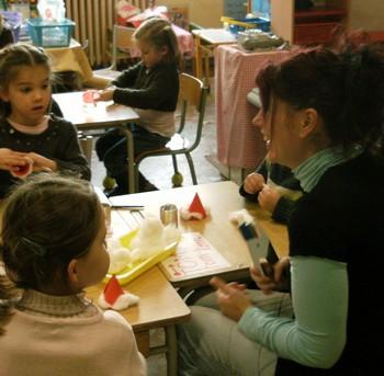 Bricolages avec les parents dans la classe de Sylvie