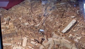 Voyage de fin d'année des CE2 : visite de la maquette de ROME à l'université de Caen