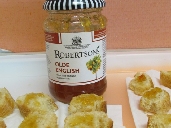 Orange marmalade ? Yes,please.