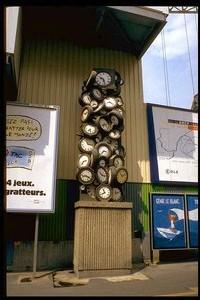 Ecole Sacré Coeur, Ouistrheam, Sculpture d'Arman