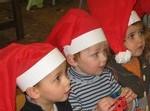 Ecole Sacre Ceur, Ouistreham, visite du Père Noël, les enfants sont sages...