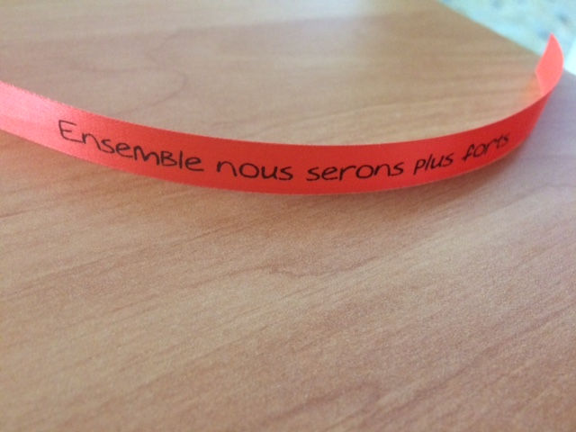 DEs bracelets pour aider l'Association