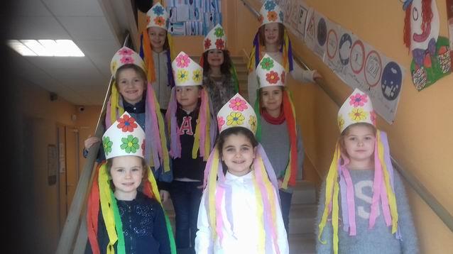 Des coiffes russes pour les filles