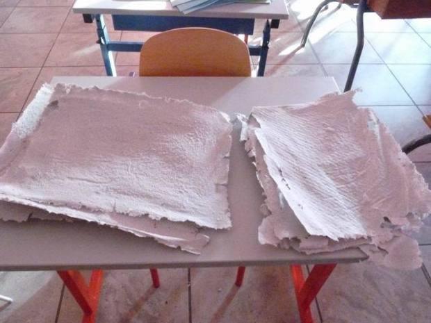 Et voilà de nouvelles feuilles de papier prêtes à l'emploi !