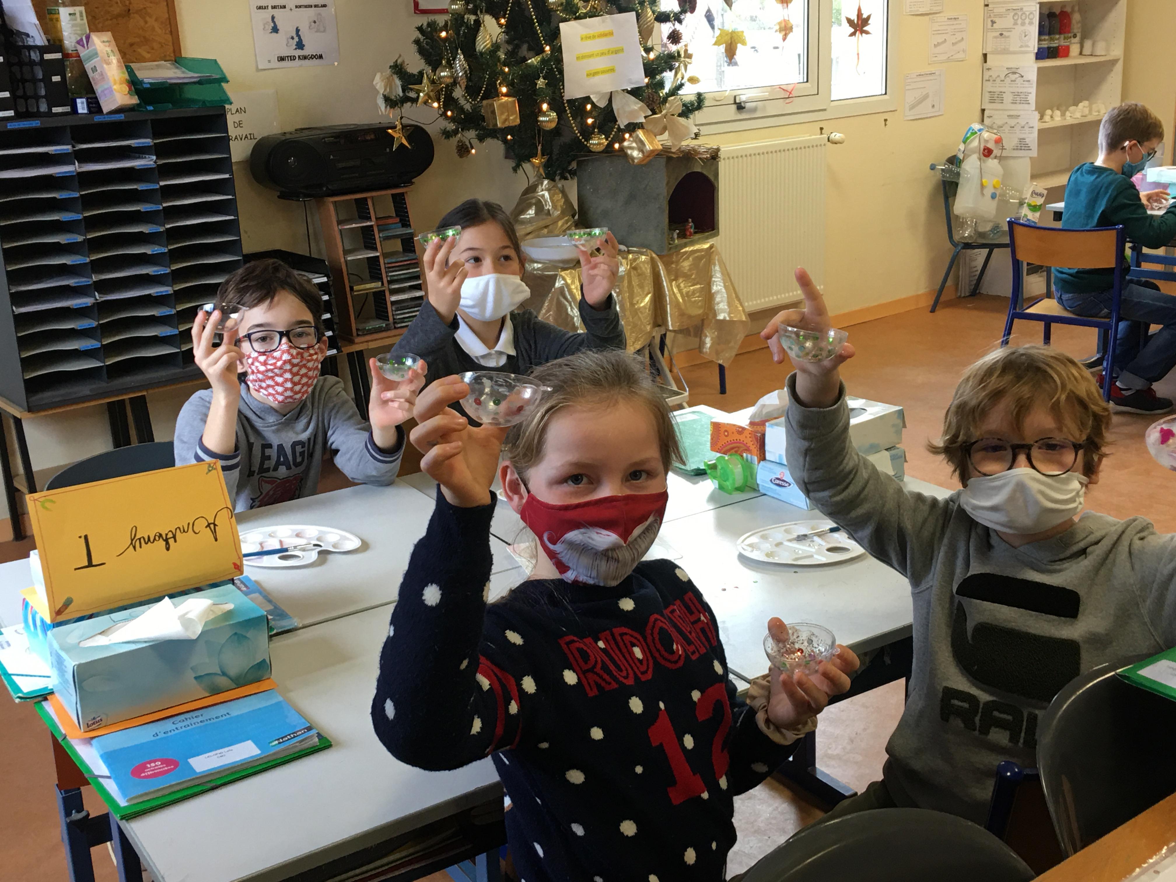 Noël 2020 (Article rédigé par Mathilda, Léna, Héloïse et Chrystal durant les ateliers d'écriture)