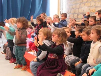 Abracadabra,spectacle de magie en Maternelle!
