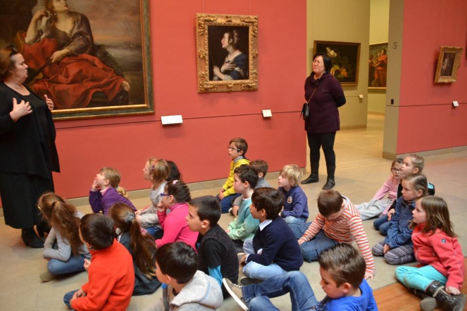 les cp visitent le musée des Beaux- Arts de Caen.