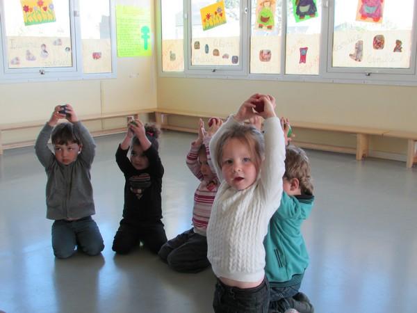 """""""Ateliers cirque"""" en Maternelle"""