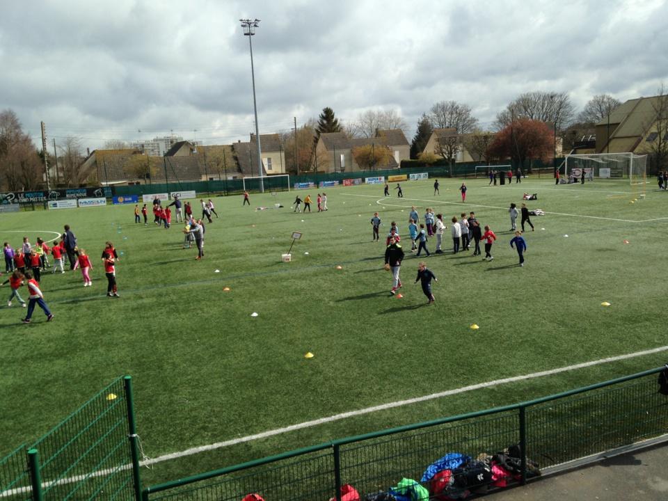 Tournoi de rugby pour les classes de CM1 et CM2