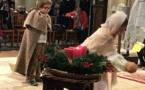 Les temps forts de Noël vus par les CM1/CM2 : la célébration et sa crèche vivante, le repas de Noël, la séance de cinéma.